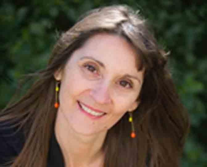 Lorette est une naturopathe, sophrologue et coach